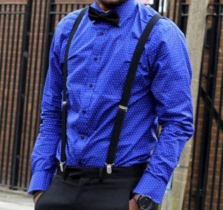 Stylish-ed-elegante-la-camicia-bluette-a-pois-con-bretelle-e-papillon-neri